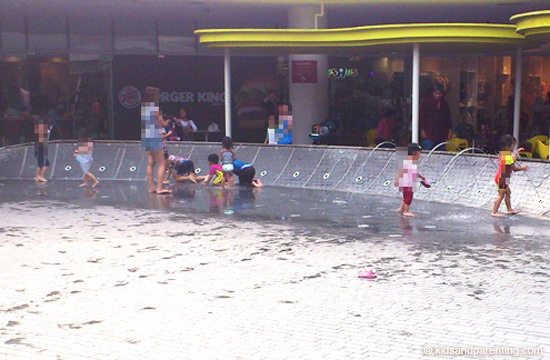 Vivo City Water Play